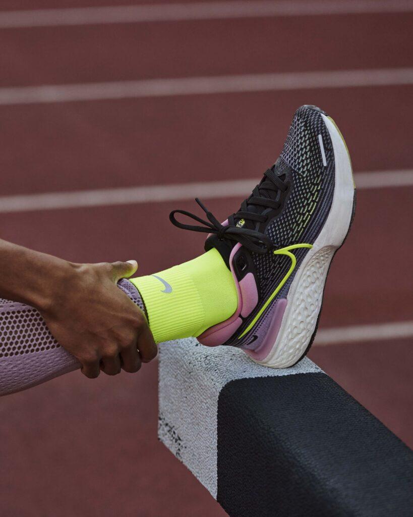 invincible1 1608134078 Nike lanza ZoomX Invincible Run Flyknit, una zapatilla diseñada para carreras de entrenamiento largas