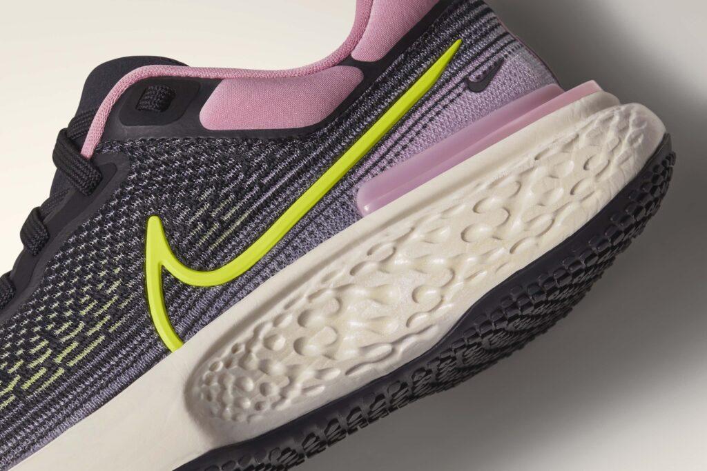 sp21 rn zoomx invincible w connect cushioning h 1609082350 Nike lanza ZoomX Invincible Run Flyknit, una zapatilla diseñada para carreras de entrenamiento largas